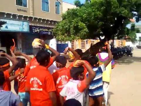 Rocking Youth Laddu Auction In Nizampatnam