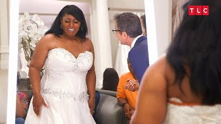 Gambar cover These Sisters Don't See Eye To Eye On Wedding Dresses | Say Yes to the Dress