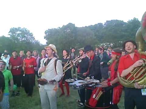 Orkestra Del Sol doing Calypso Collapso @Glasto Stone Circle field 24-06-10