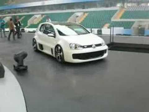 VW Golf V GTI W12