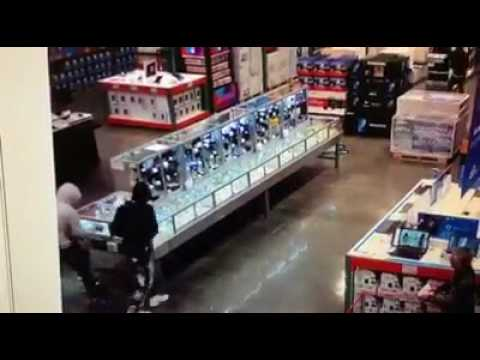Surveillance video captures suspects stealing jewelry at Novato Costco