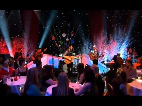 """Roddy Hart & The Lonesome Fire """"Fisherman's Blues"""" BBC Hogmanay Show"""
