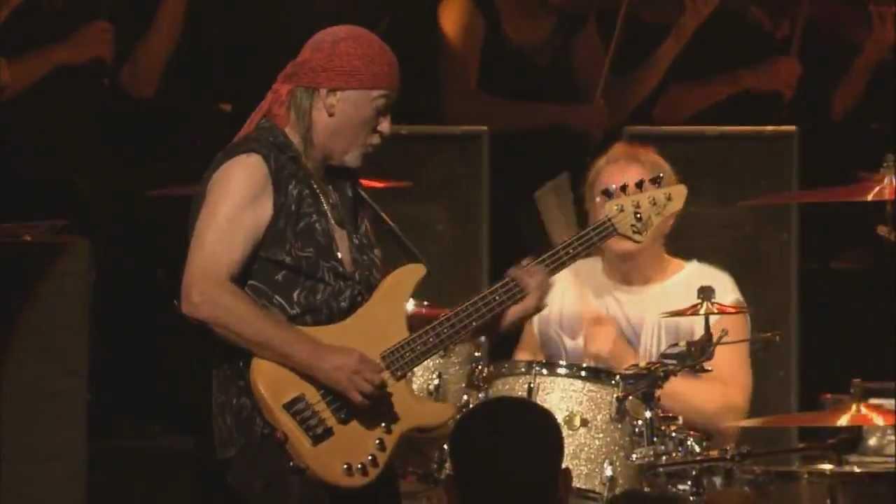 Download Deep Purple - Roger Glover bass solo [LIVE @ Montreux]