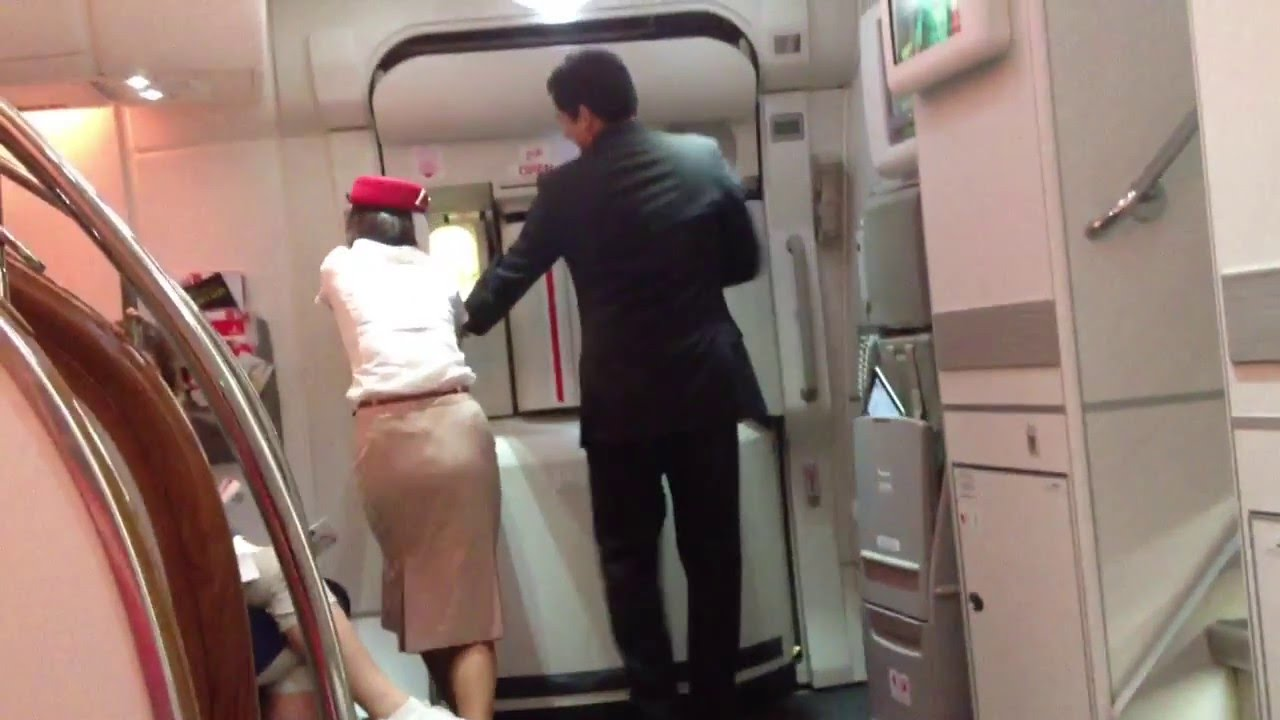 Emirates Airbus A380 trouble door not close - YouTube | 1280 x 720 jpeg 81kB