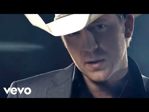 Justin Moore  If Heaven Wasnt So Far Away