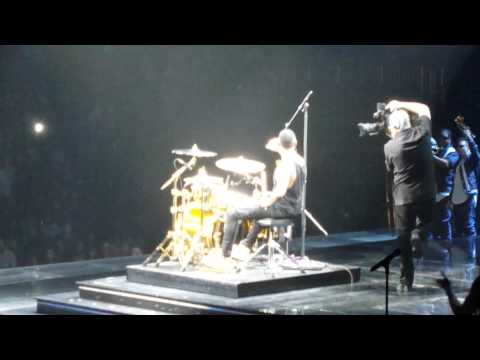 "Usher Raymond IV on Drums ""Good Kisser"" ATL. URXTOUR"