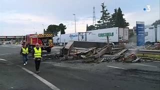 Sète-Narbonne : les péages de l'A9 vandalisés par les gilets jaunes