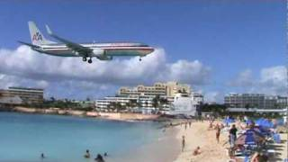 Jet Landing Maho Beach Bar -  St. Maarten / St. Martin Princess Juliana International Airport