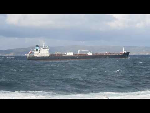 Oil/Chemical Tanker MAERSK ADRIATIC arrives in A Coruña [4K]