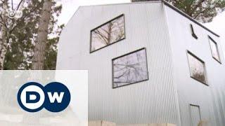 "Bezahlbares Wohnen: Das Projekt ""Happy Cheap House"" | Euromaxx"