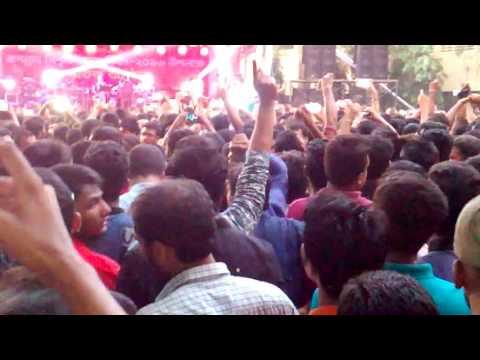 James concert at Jagannath University