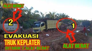Download TRUK OLENG KEPLATER DITARIK ALAT BERAT BAGIAN 2