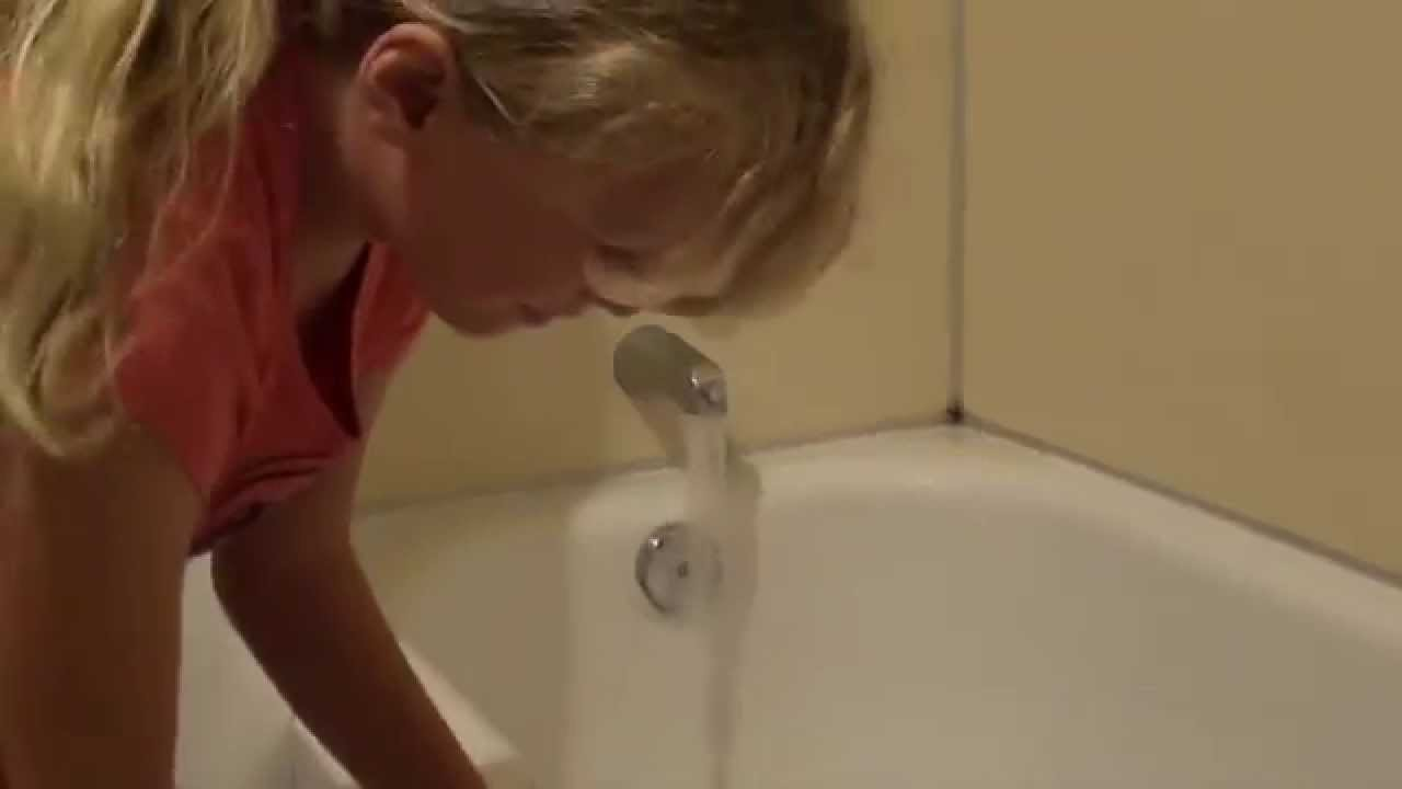 What uses more water a Bath or a Shower? - YouTube