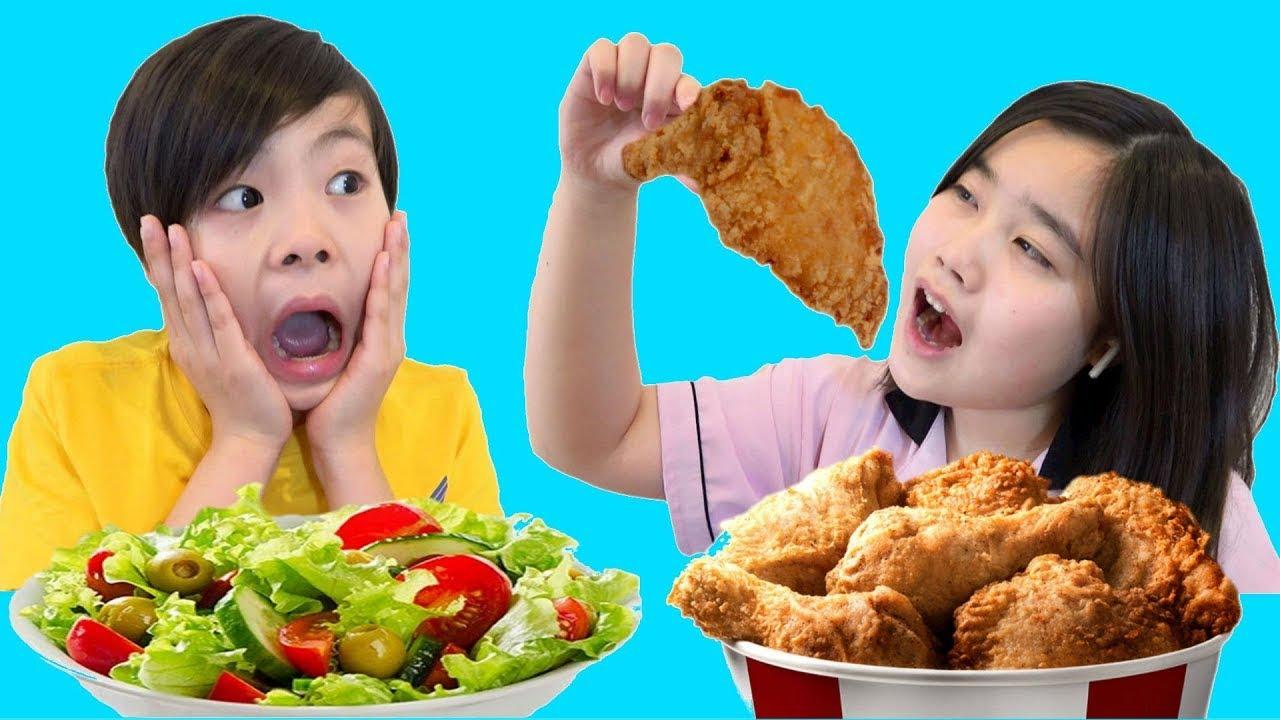学校ごっこ お腹が痛い? 体に良い食べ物どっち? こうくんねみちゃん Pretend Play School & Eat not Healthy food Mukbang