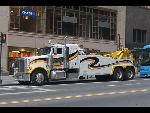 Peterbilt 378 tow truck Tumino's New York wrecker