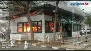 BREAKING NEWS - Bangunan Dapur Restoran di Food Court Paskal 23 Terbakar, Karyawan Panik