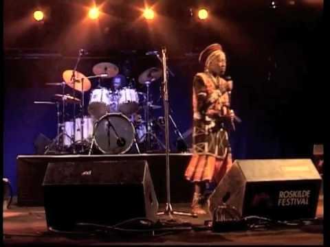 Busi Mhlongo live Yehlisan'umoya ma-Afrika...