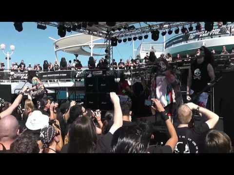 Alestorm feat. Rob Cranny @ 70000 Tons of Metal 2012