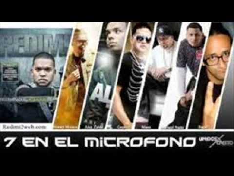 7 EN EL MICROFONO
