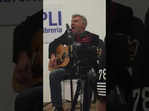 Glen Matlock bassista e fondatore dei Sex Pistol