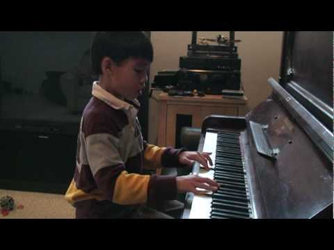Cao Linh plays Bach's Invention No 4 May 2010.mpg
