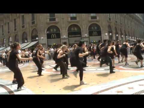 Arena di Verona - Dance Flash Mob - Milano