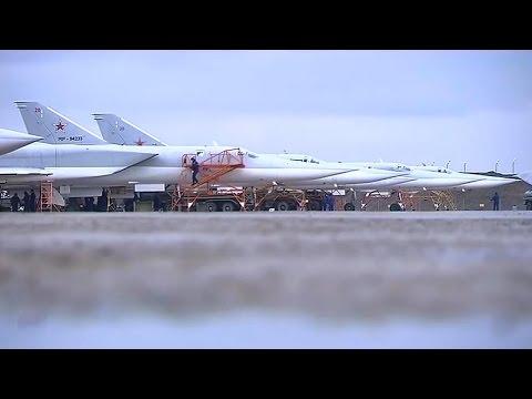 Боевой вылет дальних бомбардировщиков Ту-22М3 с территории РФ по объектам террористов в Сирии