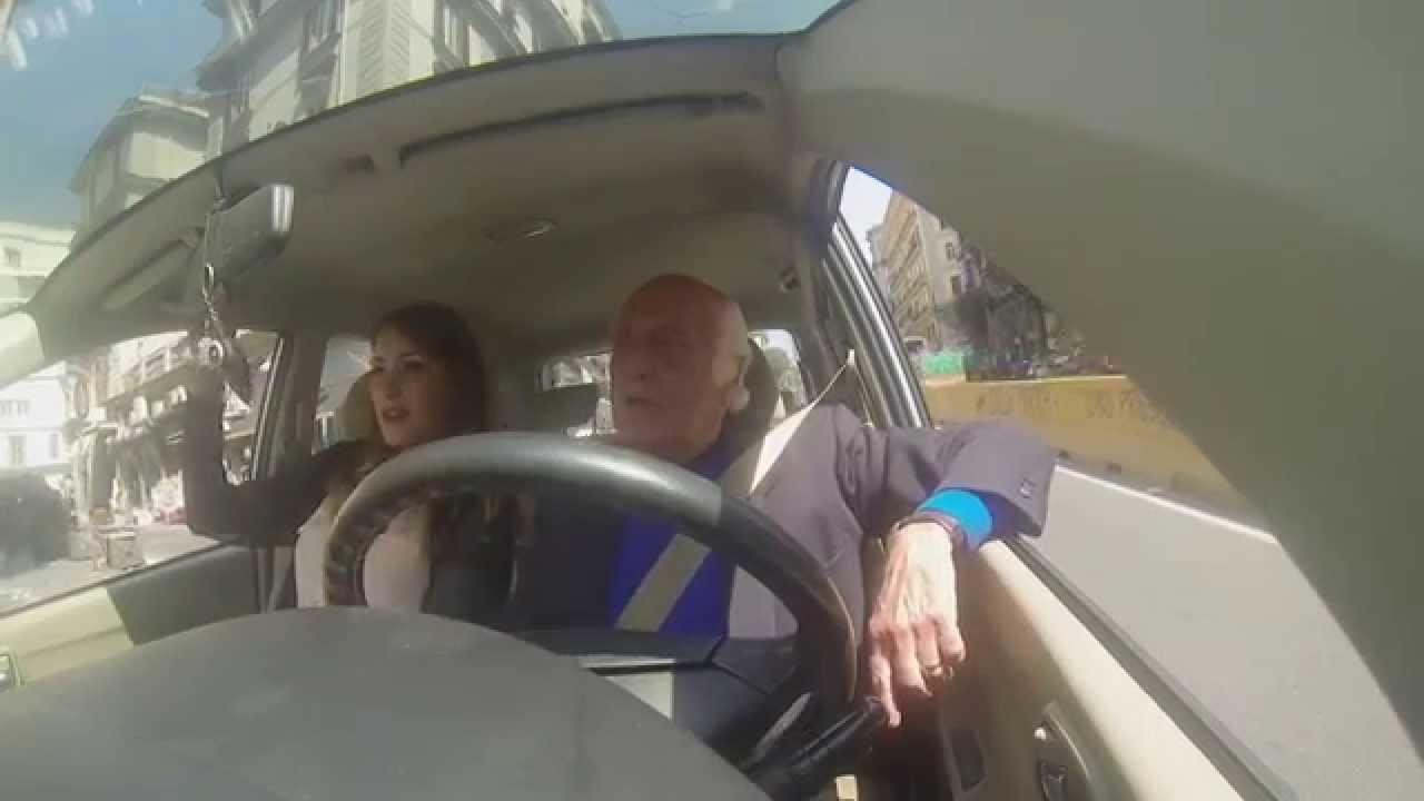 NONNO IMPAZZISCE NEL TRAFFICO (telecamera nascosta) - YouTube