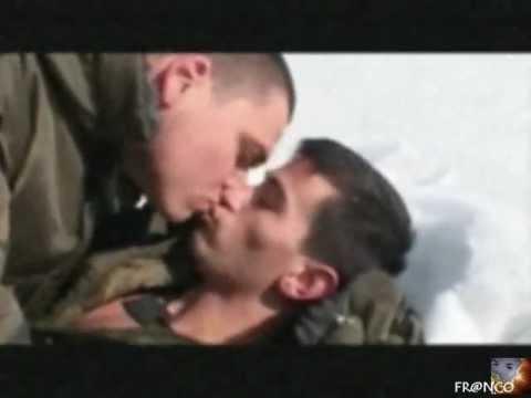 Ronny --- Es steht ein Soldat am Wolgastrand   [ with ita-ger lyrics ]  ( Yossi & Jagger )