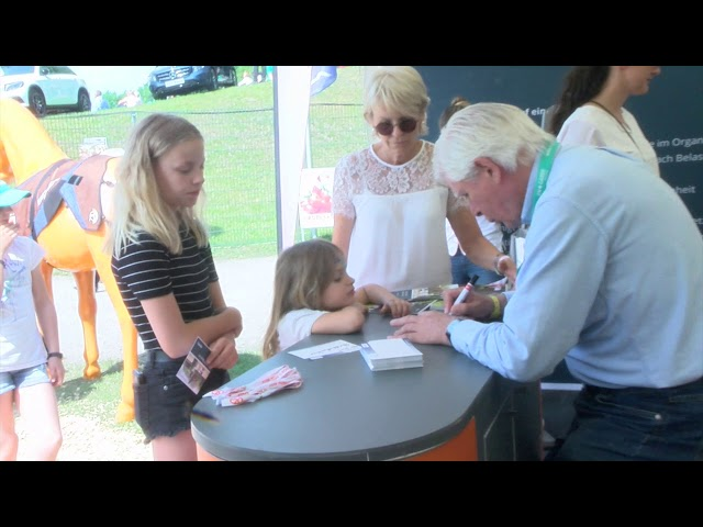 Autogrammstunde mit Paul S
