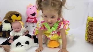 Милана как МАМА и игрушки для куклы