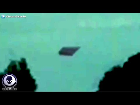 Shocked Mom & Daughter Record Eerie Diamond UFO Over Australia!
