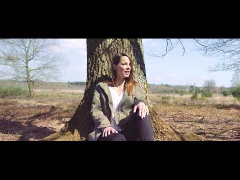Christina Stürmer - Seite an Seite (offical Video)