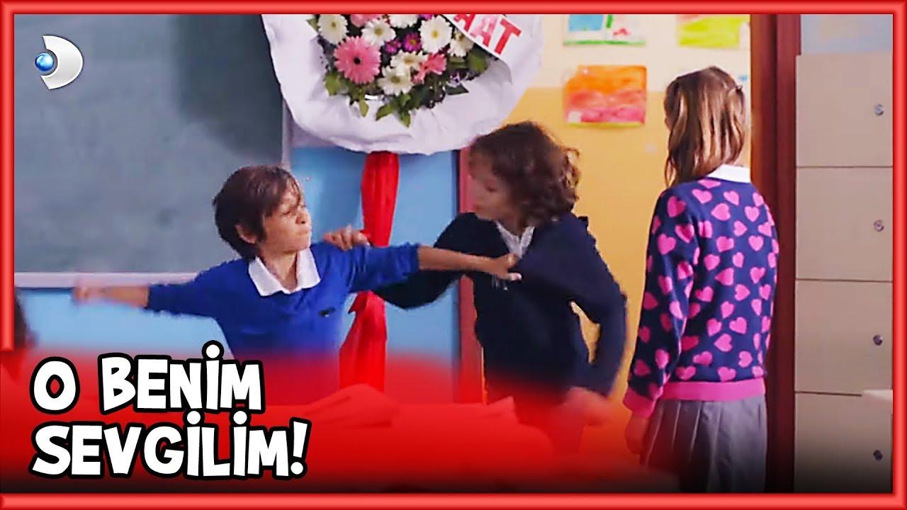 Download Mehmetcan Yeni Kız İçin KAVGA Etti! - Küçük Ağa 40. Bölüm