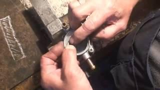 видео Бензонасос ВАЗ 2109 (карбюратор), цена которого в районе 500-700 р.