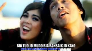 Ratu Sikumbang Feat Dafa Sikumbang - Bia Tuo Jo Mudo (Duet Remix Minang Video)
