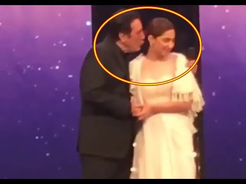 Javed Sheikh Kiss Rejected by Mahira Khan at LuxStyle Awards 2018