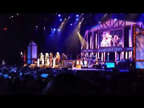 Little Big Town - Girl Crush - Grand Ole Opry