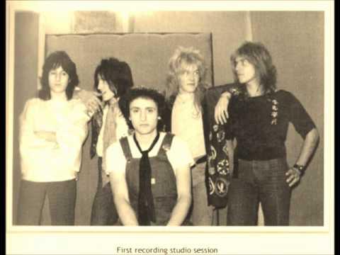 Japan -  Suburban Love (demo 1977)