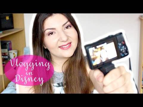 VLOGGING IN DISNEY WORLD! | TIPS, EQUIPMENT, CONFIDENCE & MORE! | Lizzie Gines