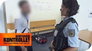Haftbefehl am Flughafen: Geht der Mann in den Knast? | Achtung Kontrolle | kabel eins