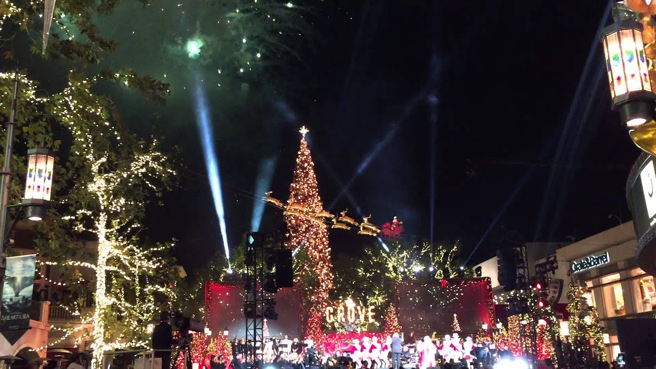 2015 christmas tree lighting at the grove in los angeles. Black Bedroom Furniture Sets. Home Design Ideas