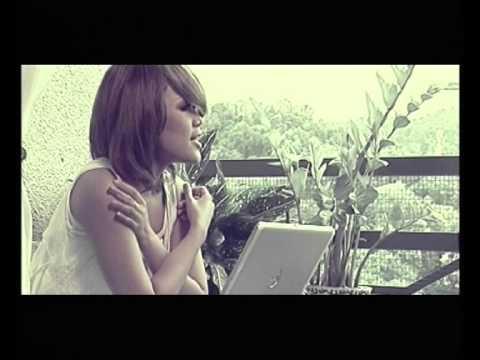 Elyana - Bukannya Satelit (Official Music Video)