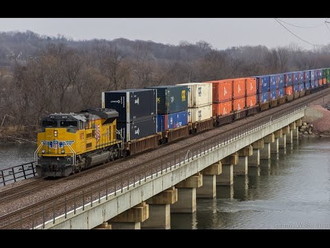 Railfanning Cedar Rapids Iowa: A Four Train Hour With UP and NS Power