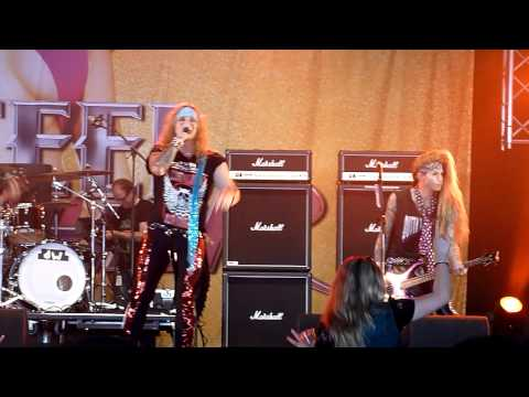 Steel Panther - Supersonic Sex Machine + Tomorrow Night @ Fortarock 2012-06-02