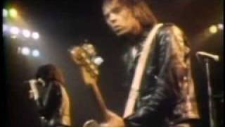 The Ramones - Sheena is a punk rocker - Live at London new years eve