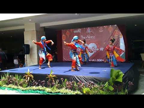 Tari warak dugder with Wirasrama untuk budaya...
