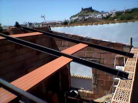 Como construir un tejado con vigas de upn y rasillones mui - Como colocar adoquines de hormigon ...