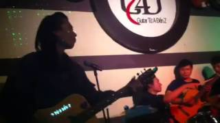 Mua đàn guitar giá rẻ - Mua dan ghi ta gia re (17-4-13)