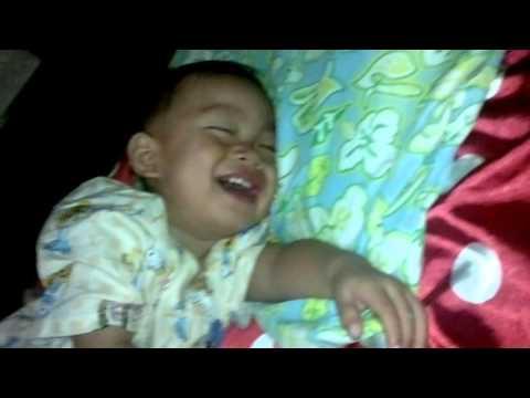 funniest sleep baby tidur sambil ketawa lucu banget